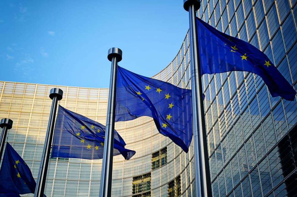 Unión Europea contra la falsificación de medicamentos. Leyes de protección para la salud pública europea y española.
